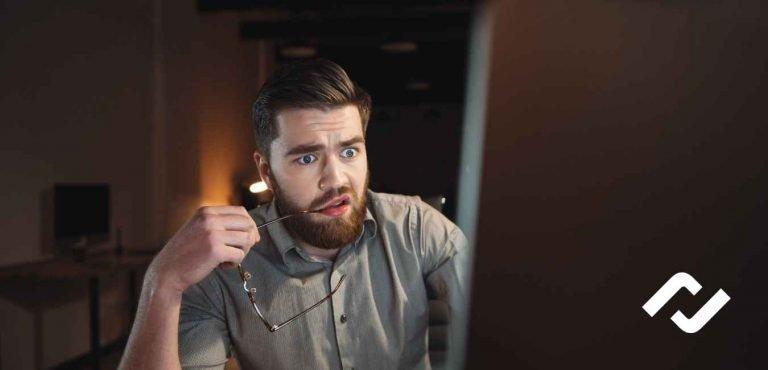 man at computer having problems setting up microsoft 365