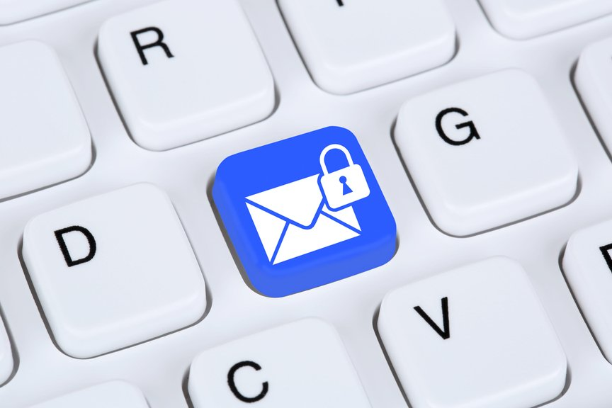 email lock icon on keyboard depicting encrypted email.jpg